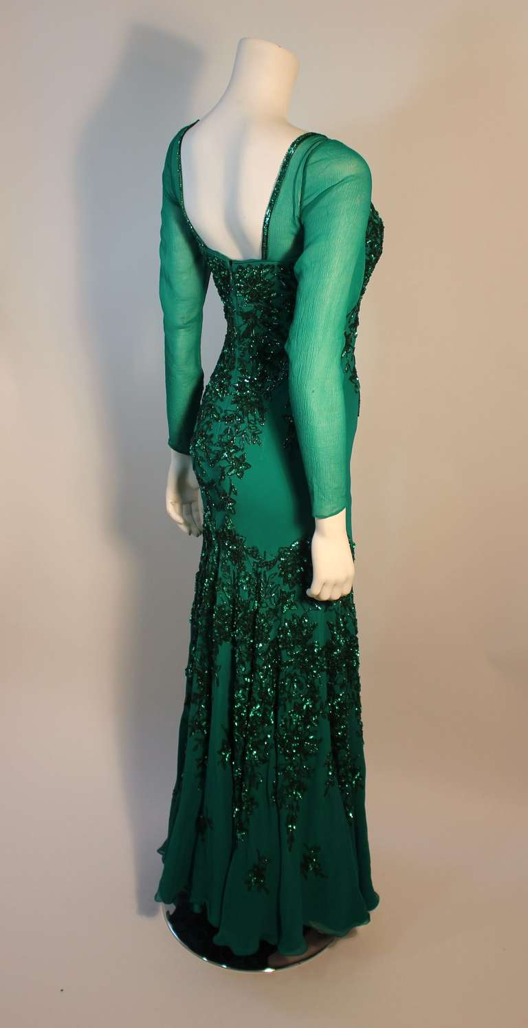 Stunning Eavis & Brown London Emerald Green Gown with Matching Wrap 5