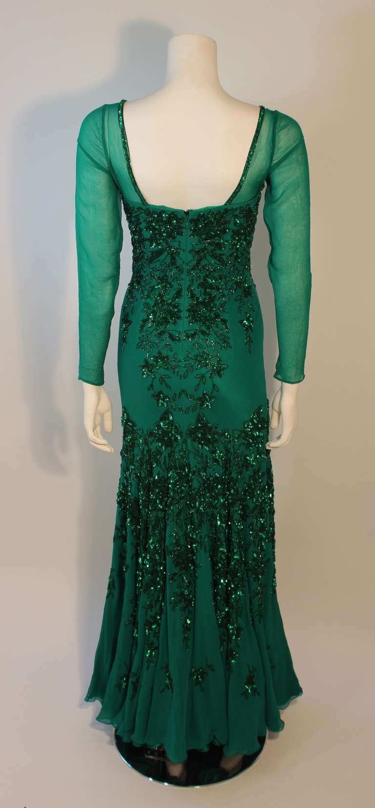 Stunning Eavis & Brown London Emerald Green Gown with Matching Wrap 6