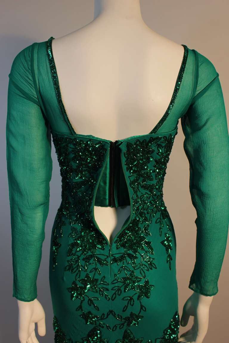 Stunning Eavis & Brown London Emerald Green Gown with Matching Wrap 8