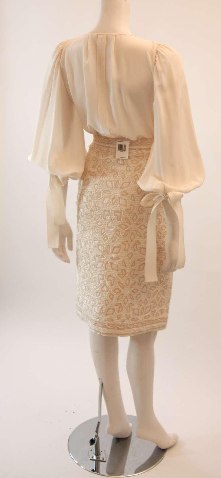 Oscar De La Renta Ivory and Cream Silk Blouse and Skirt Set Size 10 3