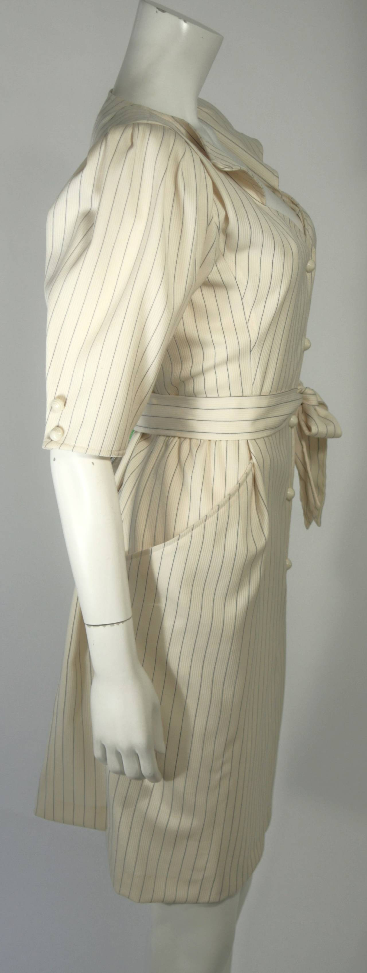 Ungaro Cream Pin Stripe Dress with Center Front Buttons 42 8 In Excellent Condition For Sale In Los Angeles, CA