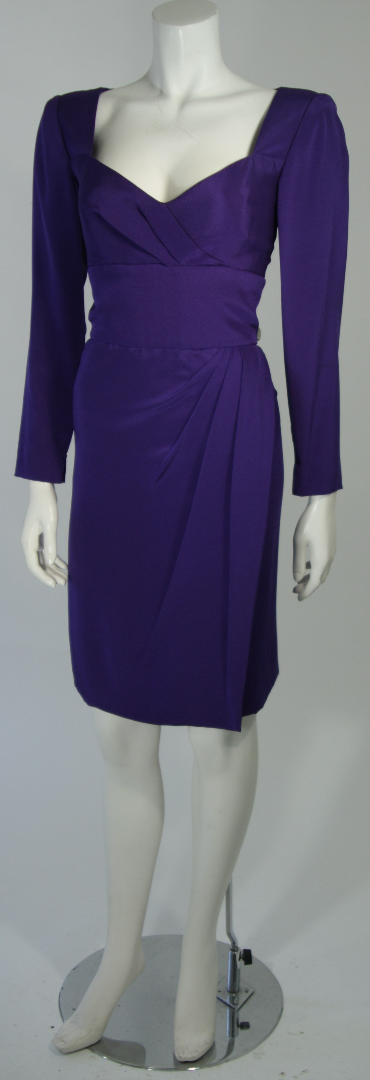 Women's Travilla Purple Silk Long Sleeve Cocktail Dress with Draping Size 8 For Sale