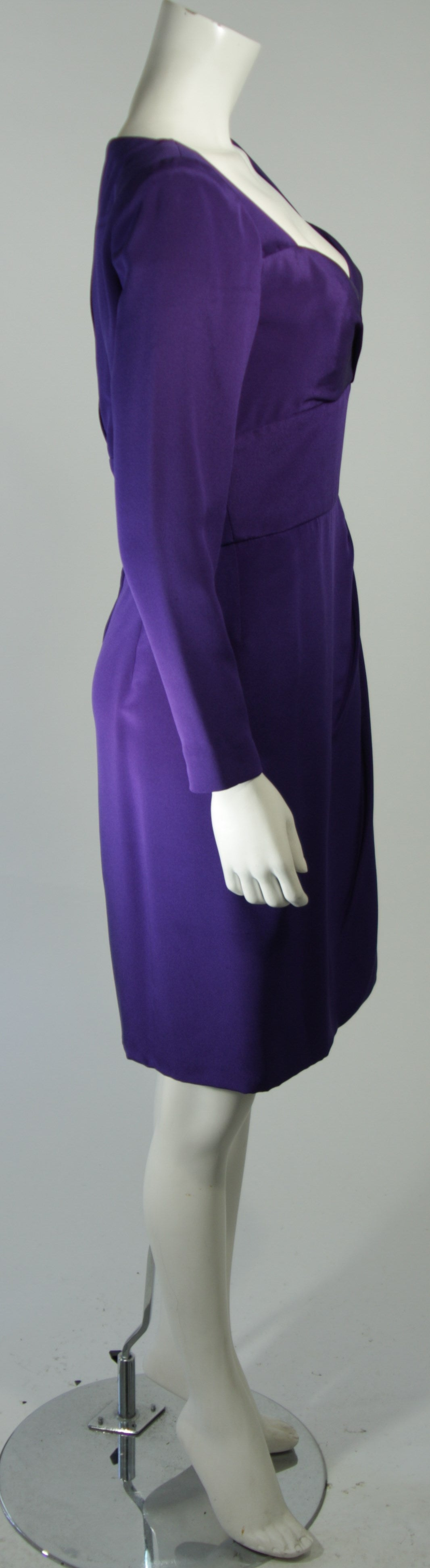 Travilla Purple Silk Long Sleeve Cocktail Dress with Draping Size 8 For Sale 2