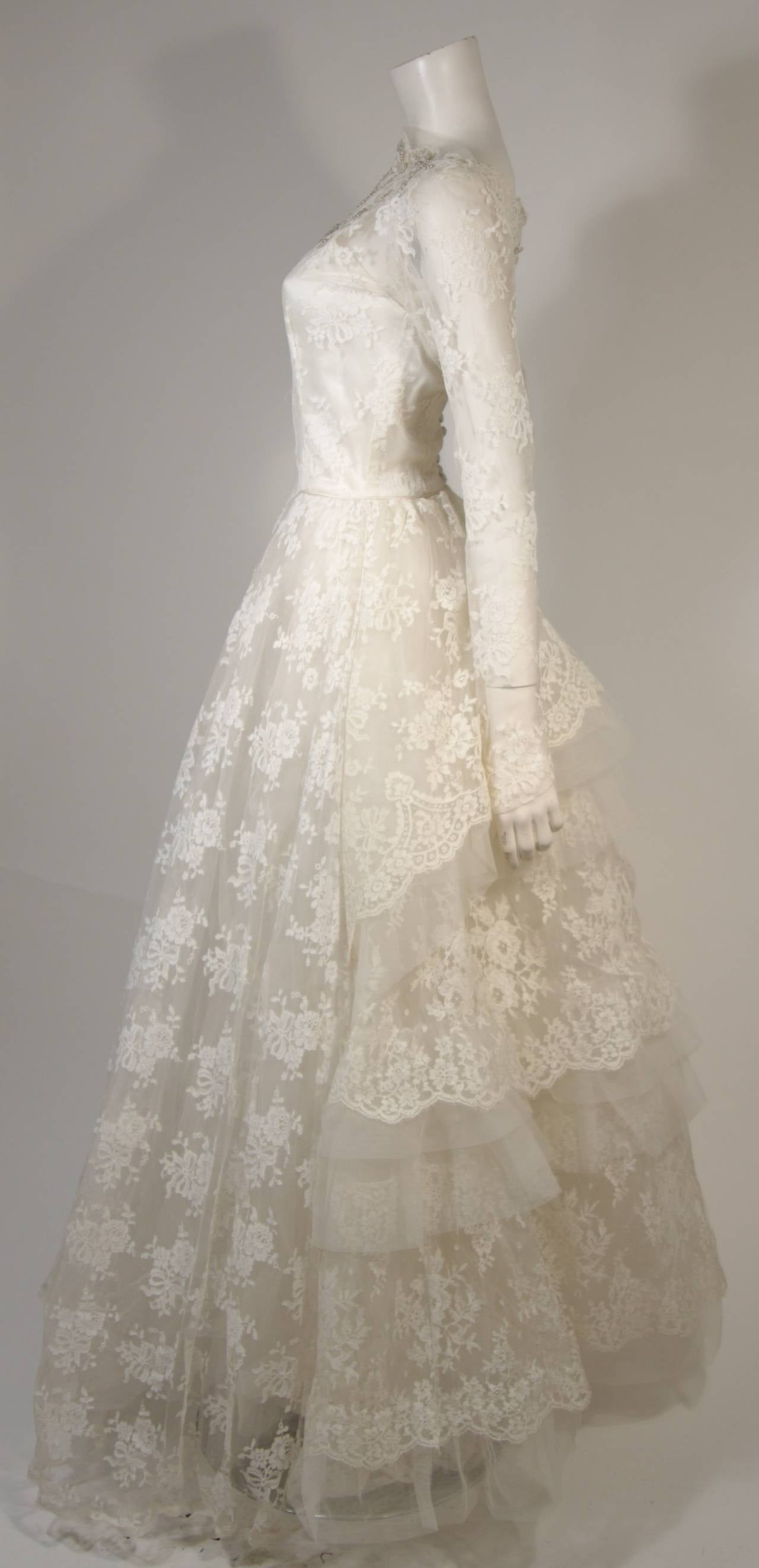 Beige Vintage Lace Wedding Gown with Scalloped Edges and Long Sleeves Size Small For Sale