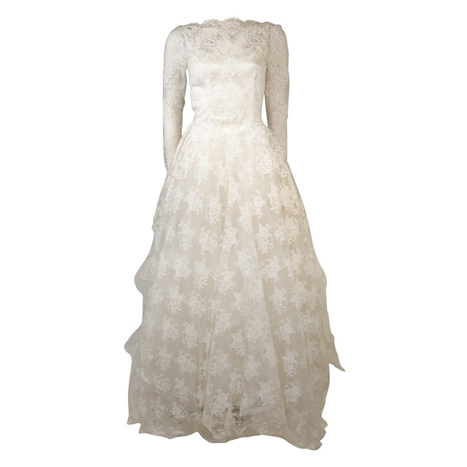 Vintage Wedding Dresses For Sale: Vintage Lace Wedding Gown With Scalloped Edges And Long