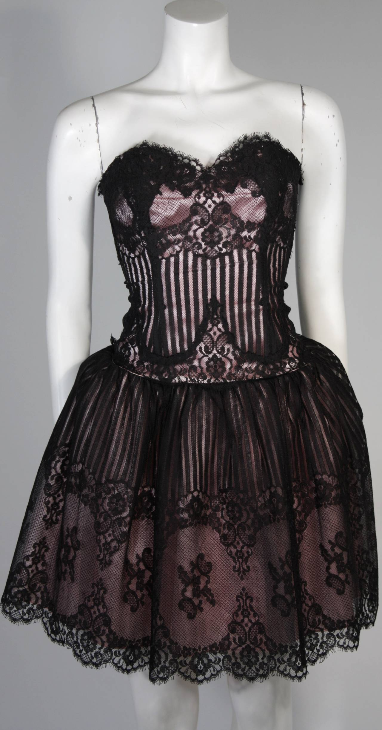 Victor Costa Strapless Black Lace Cocktail Dress with Pink Satin Size 40 In Excellent Condition For Sale In Los Angeles, CA