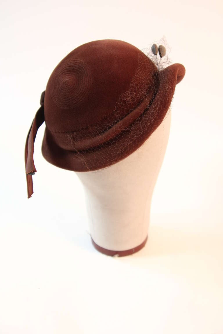 Jacques Fath Fur felt cloche with circular stitched design and bow detail 5