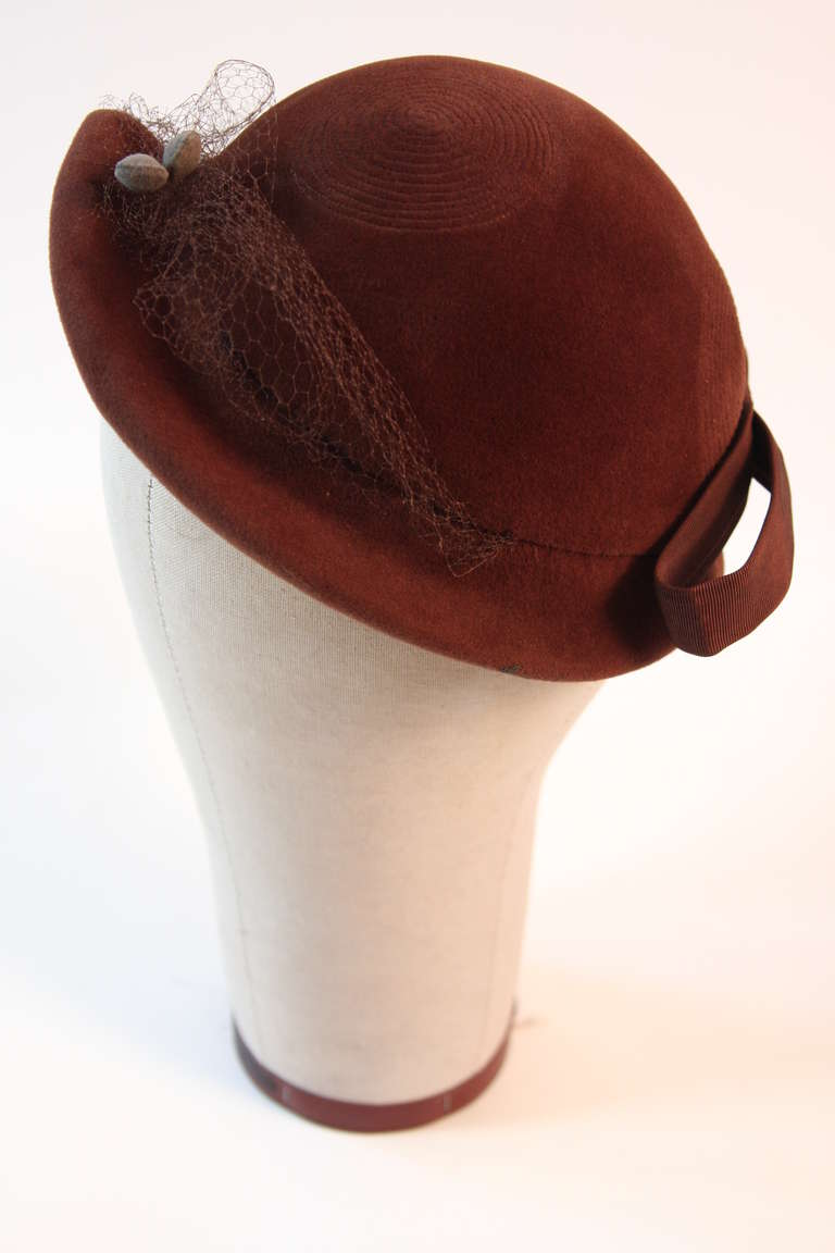 Jacques Fath Fur felt cloche with circular stitched design and bow detail 3