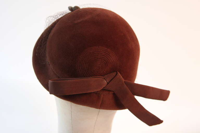 Jacques Fath Fur felt cloche with circular stitched design and bow detail 7