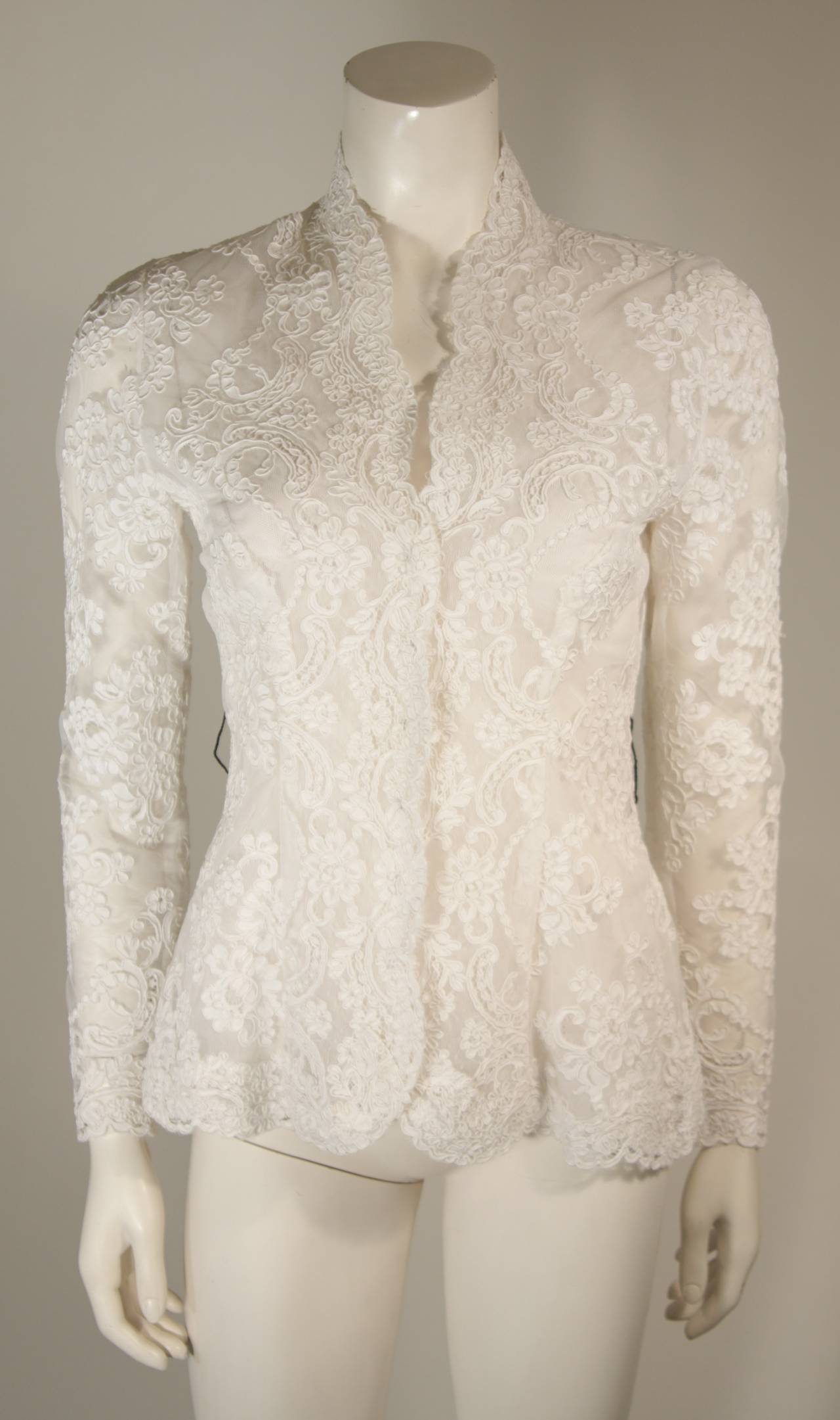 Victor Costa White Lace Scalloped Edge Long Sleeve Blouse Size 4 6 8 For Sale 1