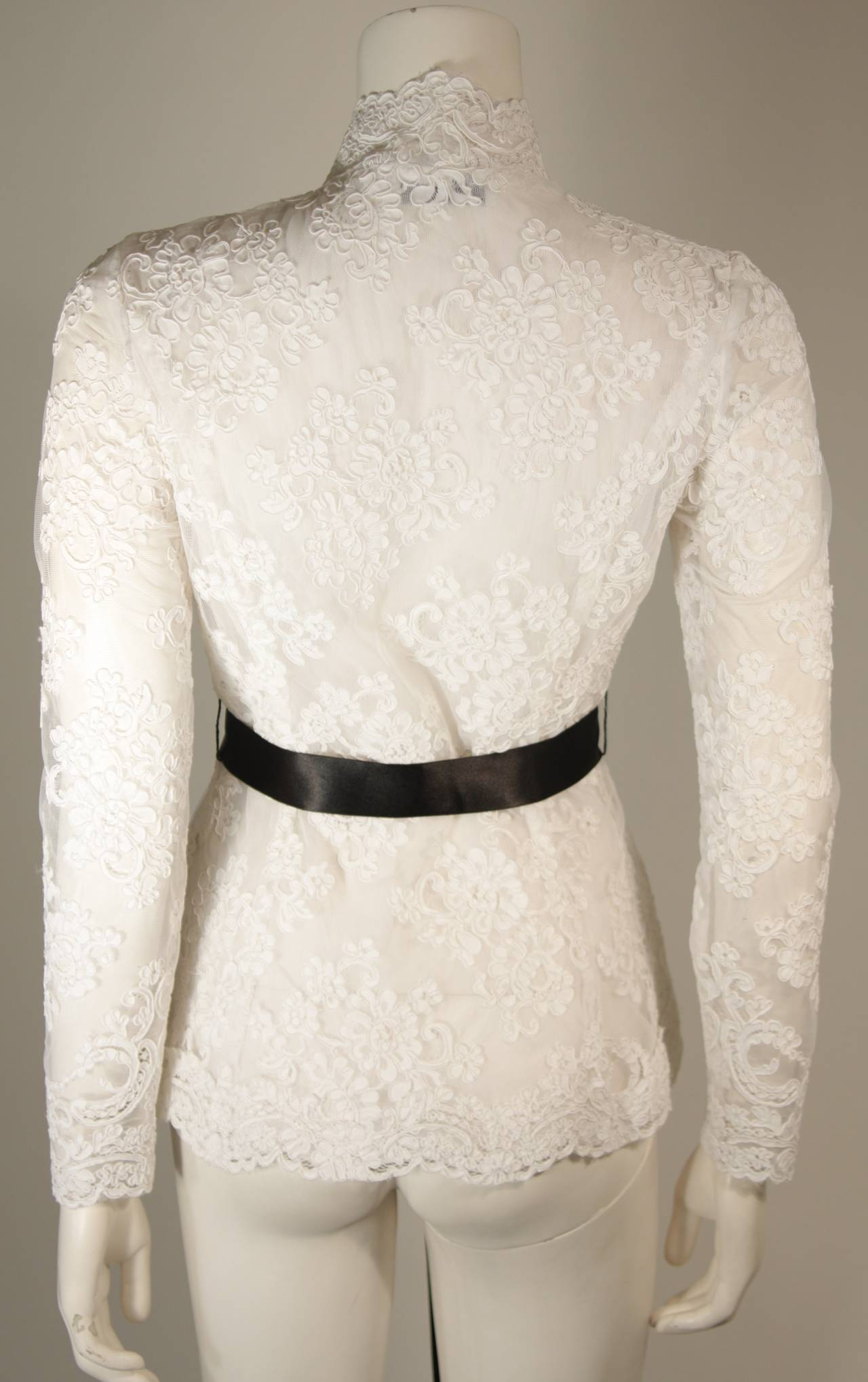 Women's Victor Costa White Lace Scalloped Edge Long Sleeve Blouse Size 4 6 8 For Sale
