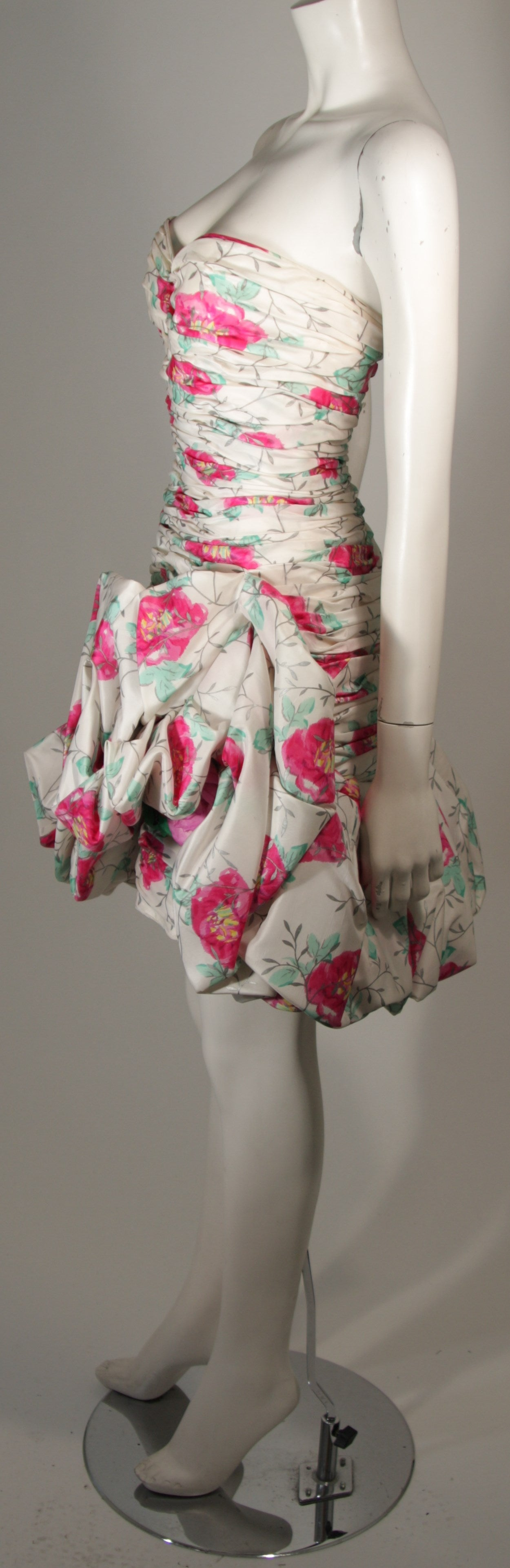 Women's Ungaro White Silk Cocktail Dress with Pink & Green Floral Design Size 8 For Sale