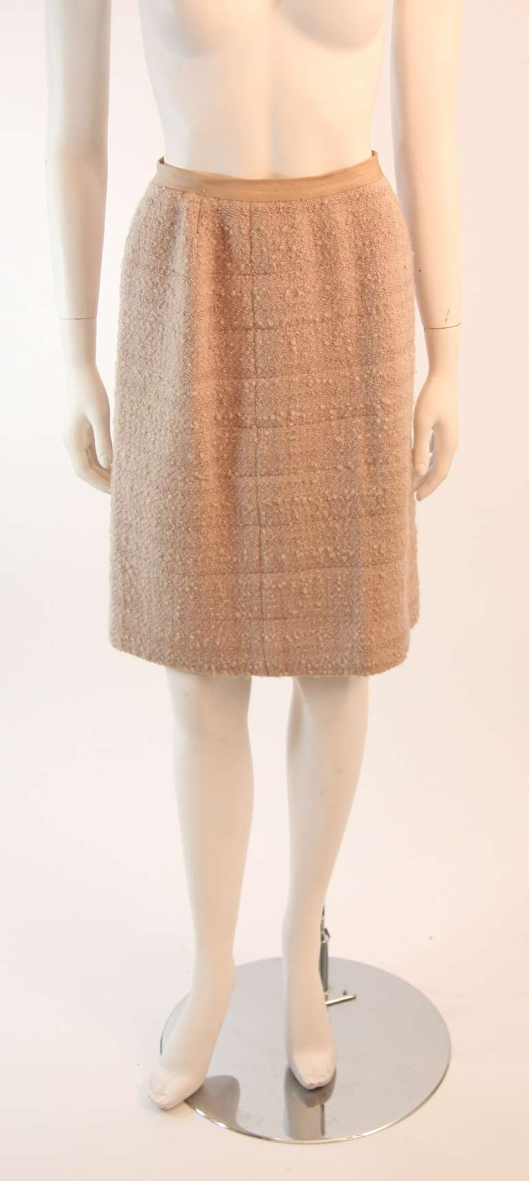 1960's Attributed to Chanel Couture Cream Boucle 3 Piece Tweed Suit 8