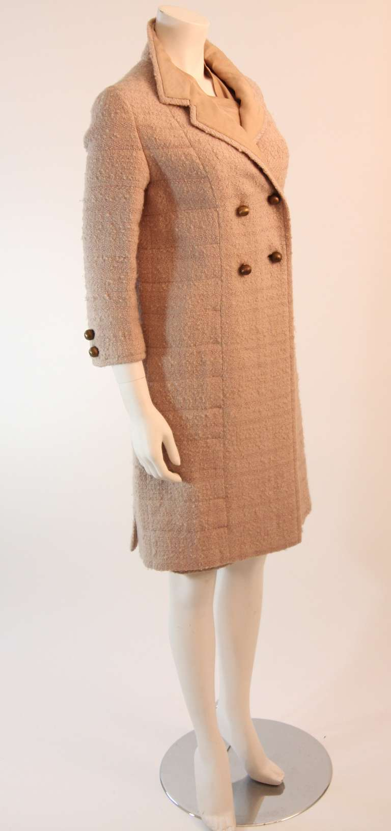 1960's Attributed to Chanel Couture Cream Boucle 3 Piece Tweed Suit 4