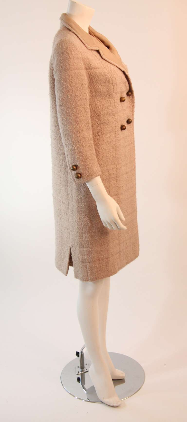 1960's Attributed to Chanel Couture Cream Boucle 3 Piece Tweed Suit 5