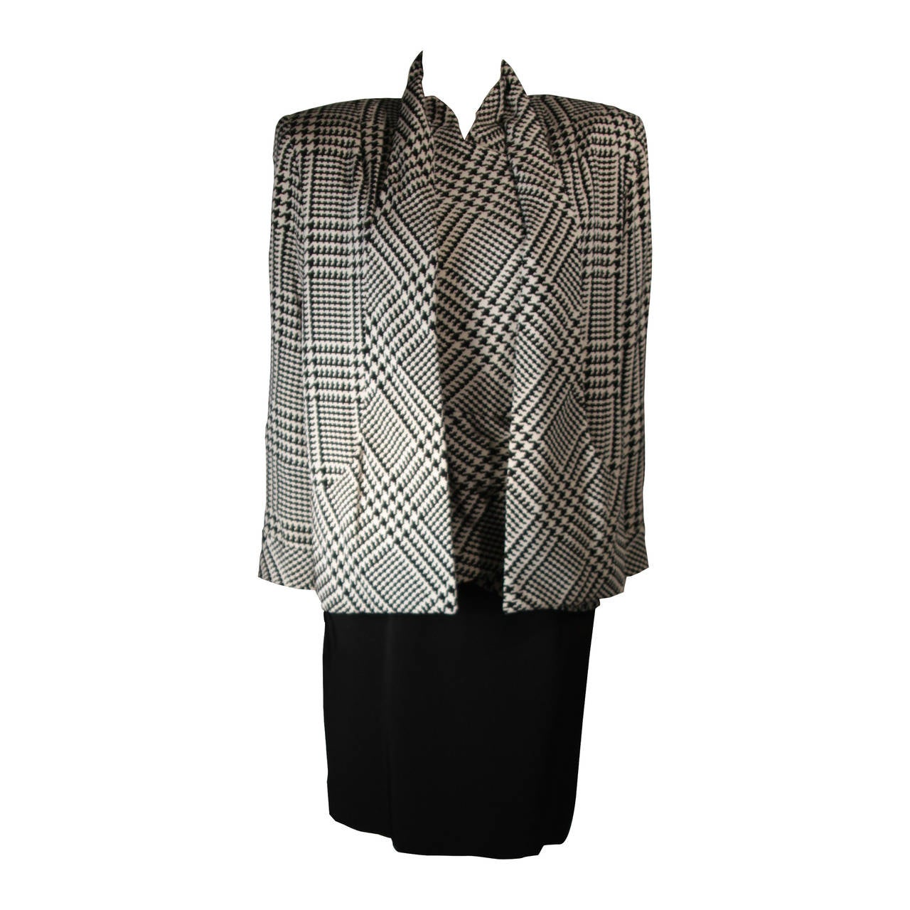 Vicky Tiel Black and White Houndstooth Cocktail Dress and Jacket Size Small