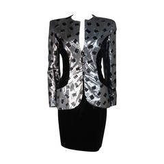 Vicky Tiel Silver Silk and Black Velvet Accent Skirt Suit Size 38