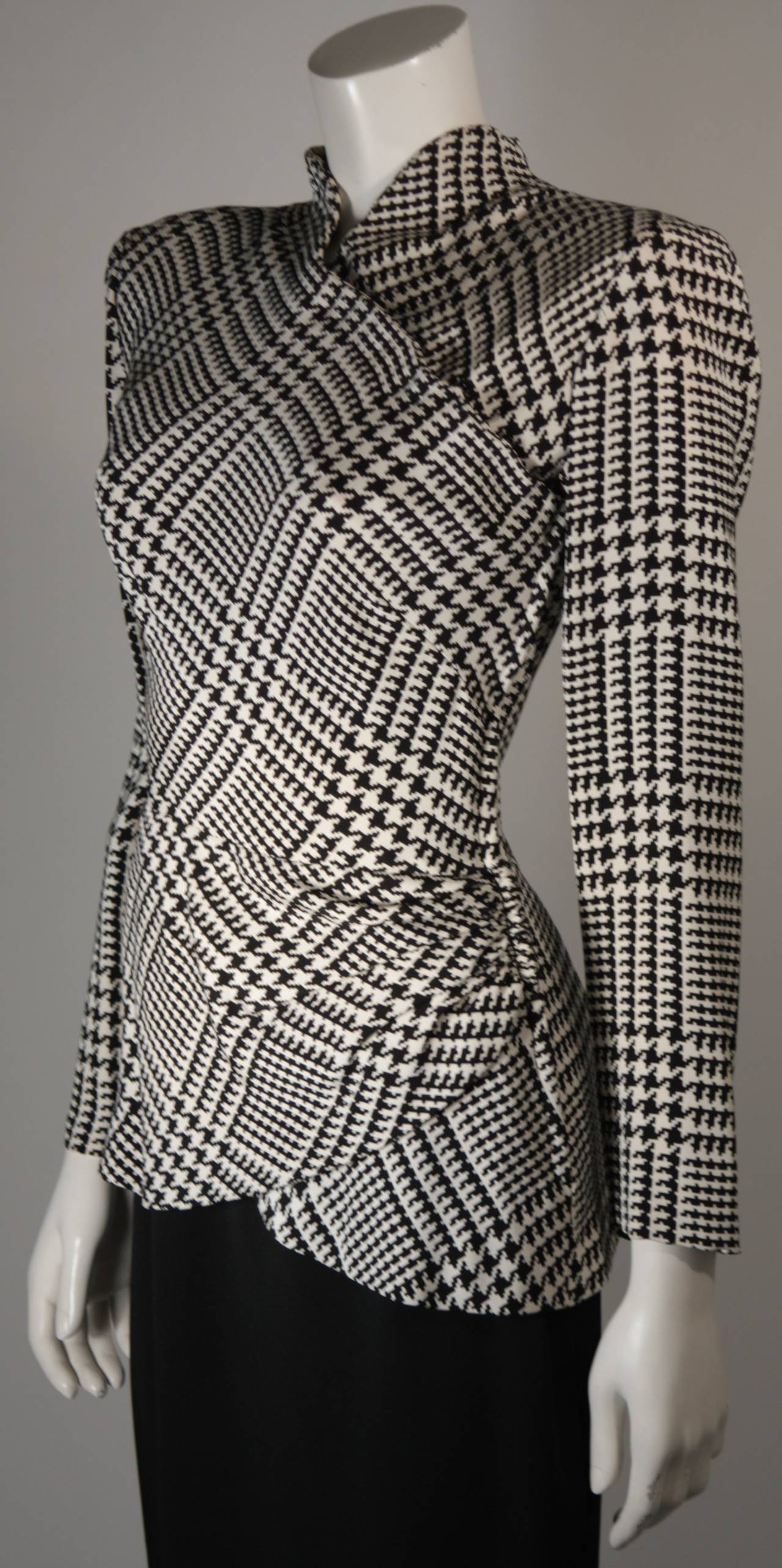 Stay in style with a Houndstooth Blazer. Find a Blue Houndstooth Blazer, Grey Houndstooth Blazer and more at Macy's.