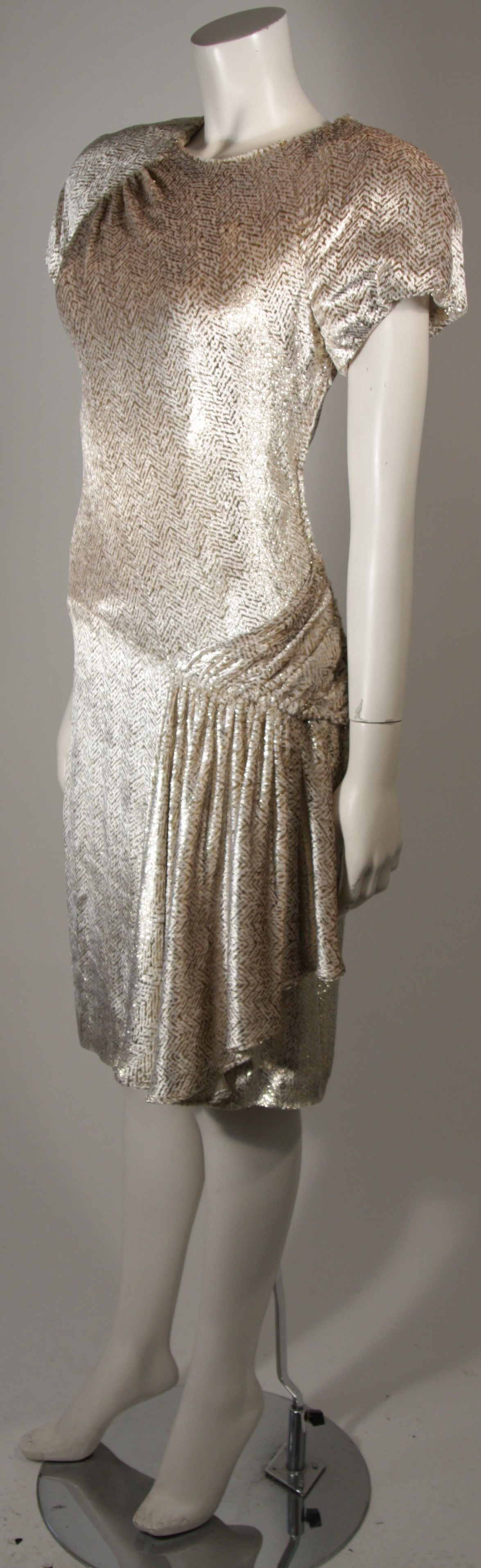 Brown Vicky Tiel Ivory and Gold Velvet Texture Cocktail Dress Size 38 For Sale