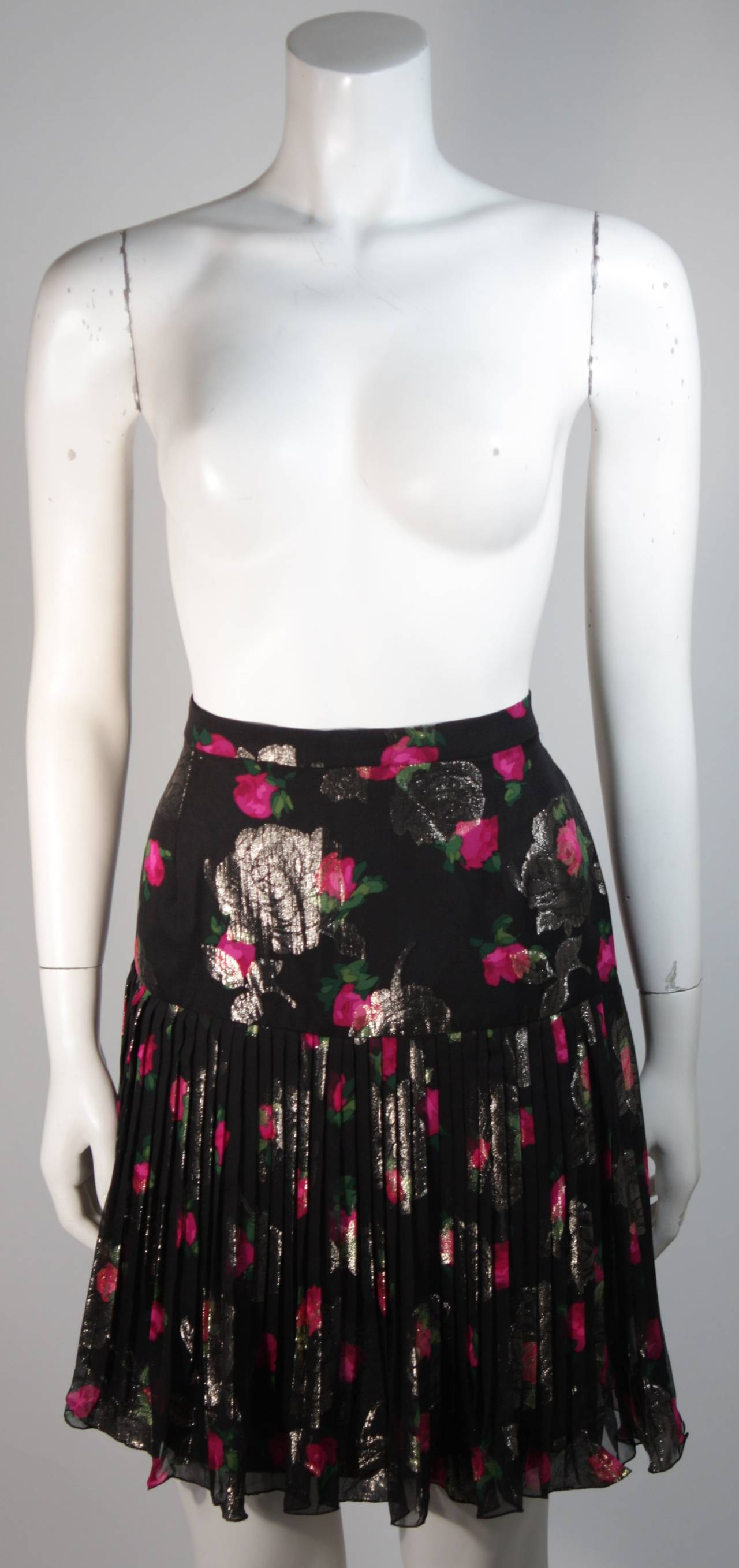 Vicky Tiel Black SilkSuit with Floral Motif and Pleated Chiffon Skirt Size Small For Sale 5