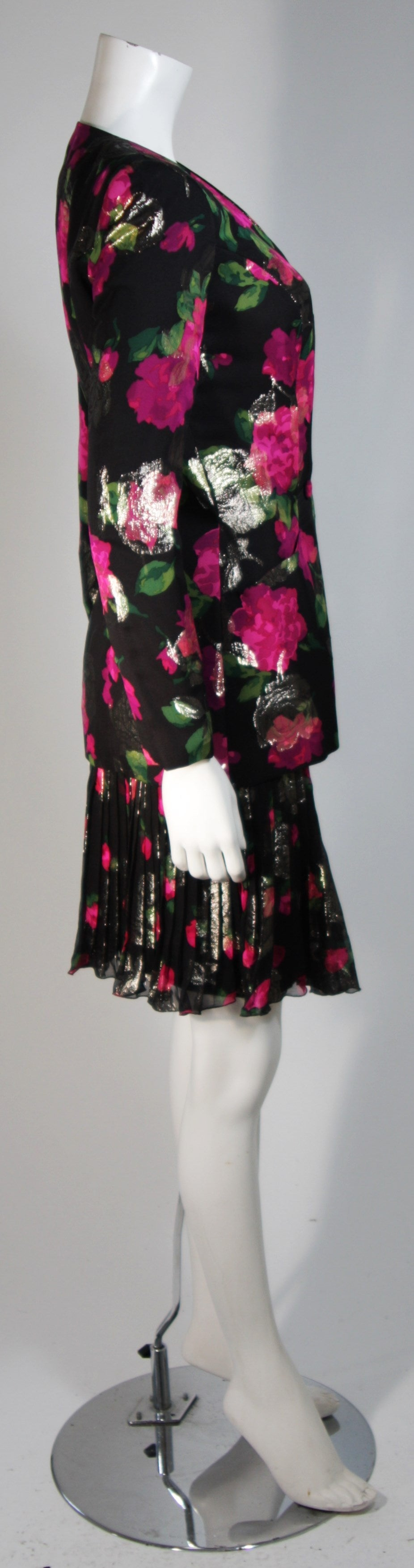 Vicky Tiel Black SilkSuit with Floral Motif and Pleated Chiffon Skirt Size Small For Sale 1