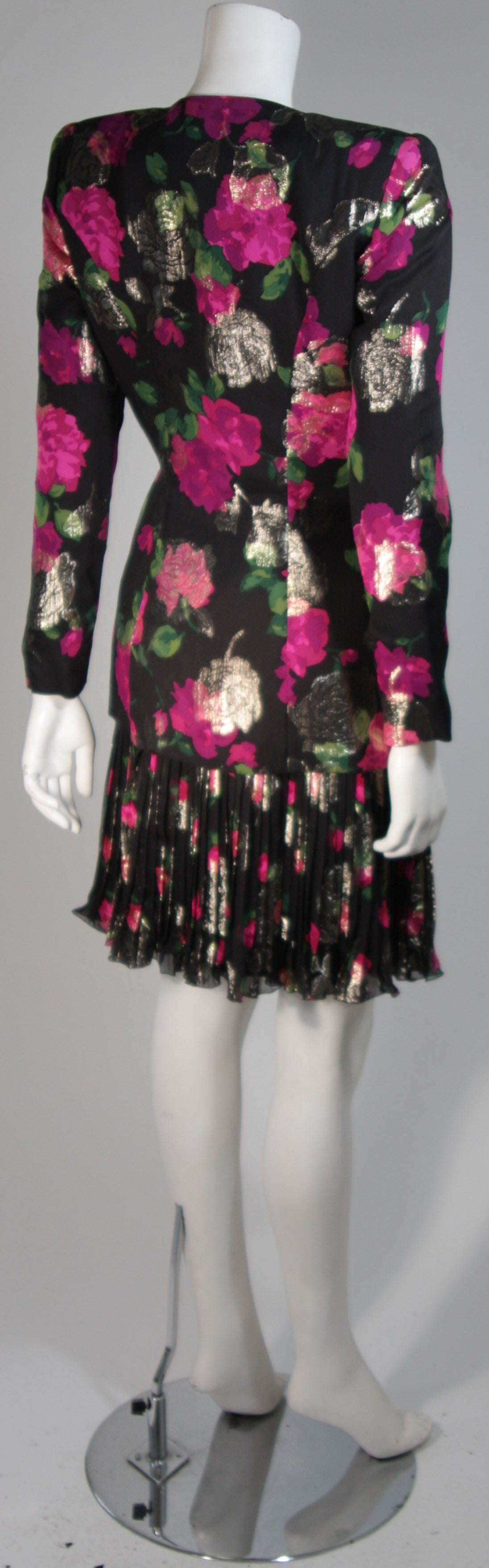 Vicky Tiel Black SilkSuit with Floral Motif and Pleated Chiffon Skirt Size Small For Sale 2