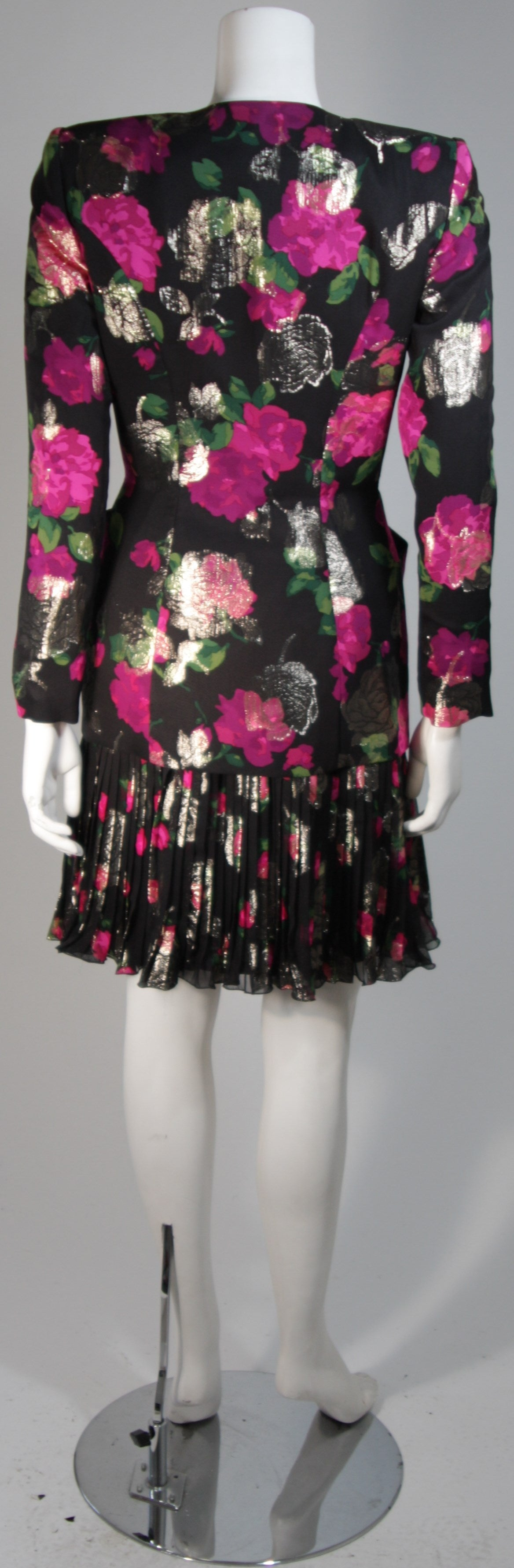Vicky Tiel Black SilkSuit with Floral Motif and Pleated Chiffon Skirt Size Small For Sale 3