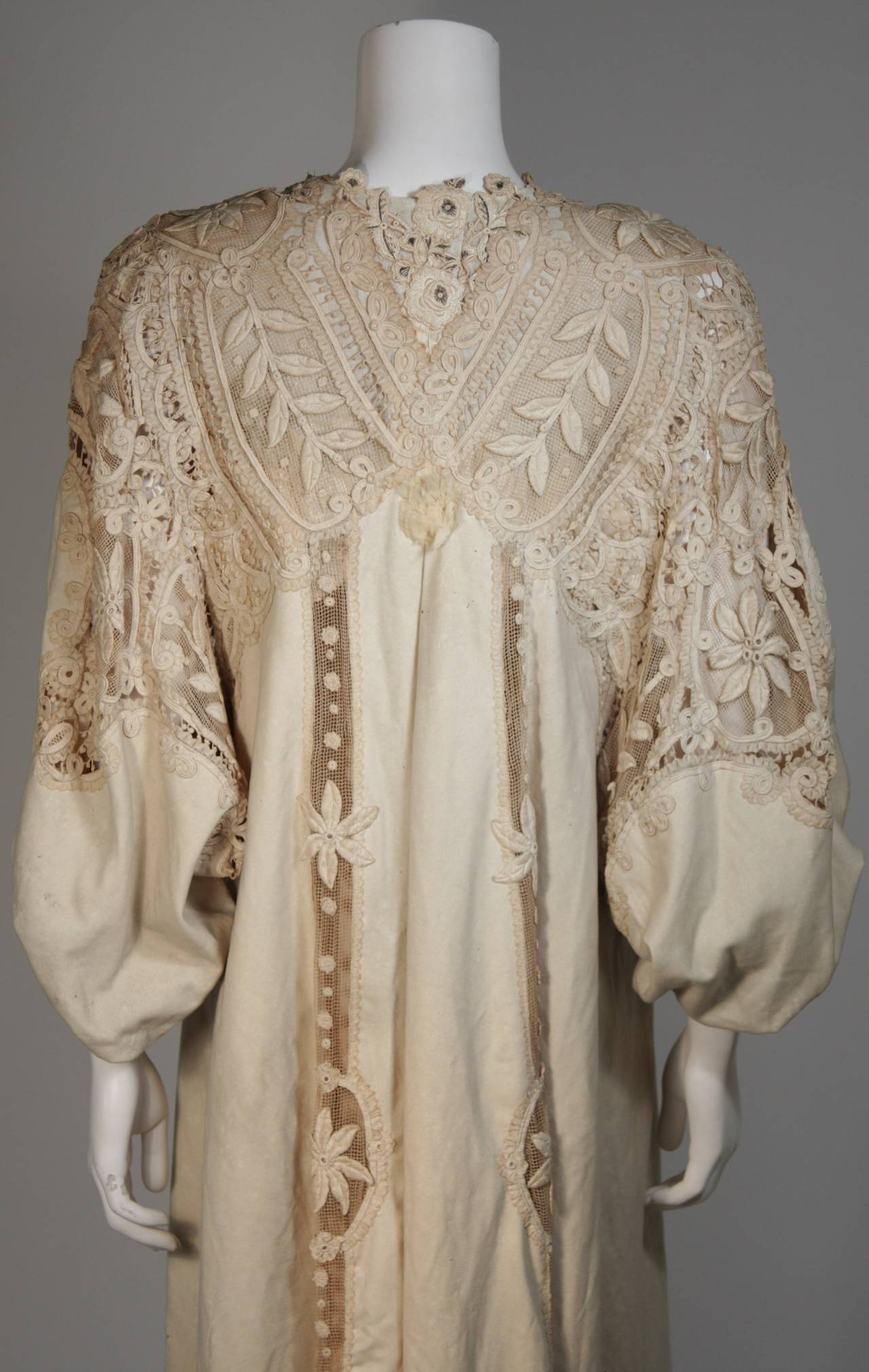Antique Lace Coat with Bell Sleeve Detail For Sale 3