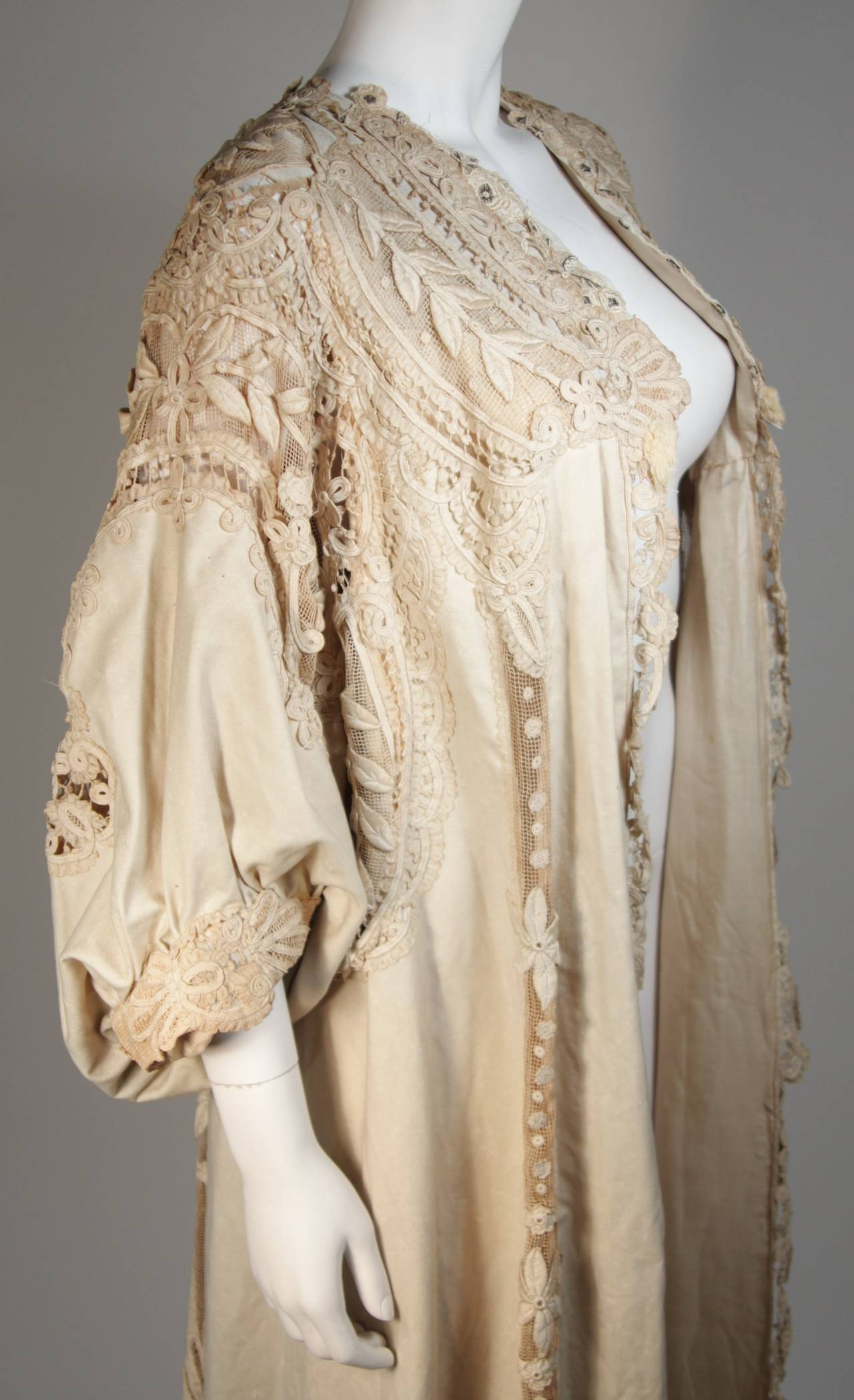 Antique Lace Coat with Bell Sleeve Detail For Sale 4