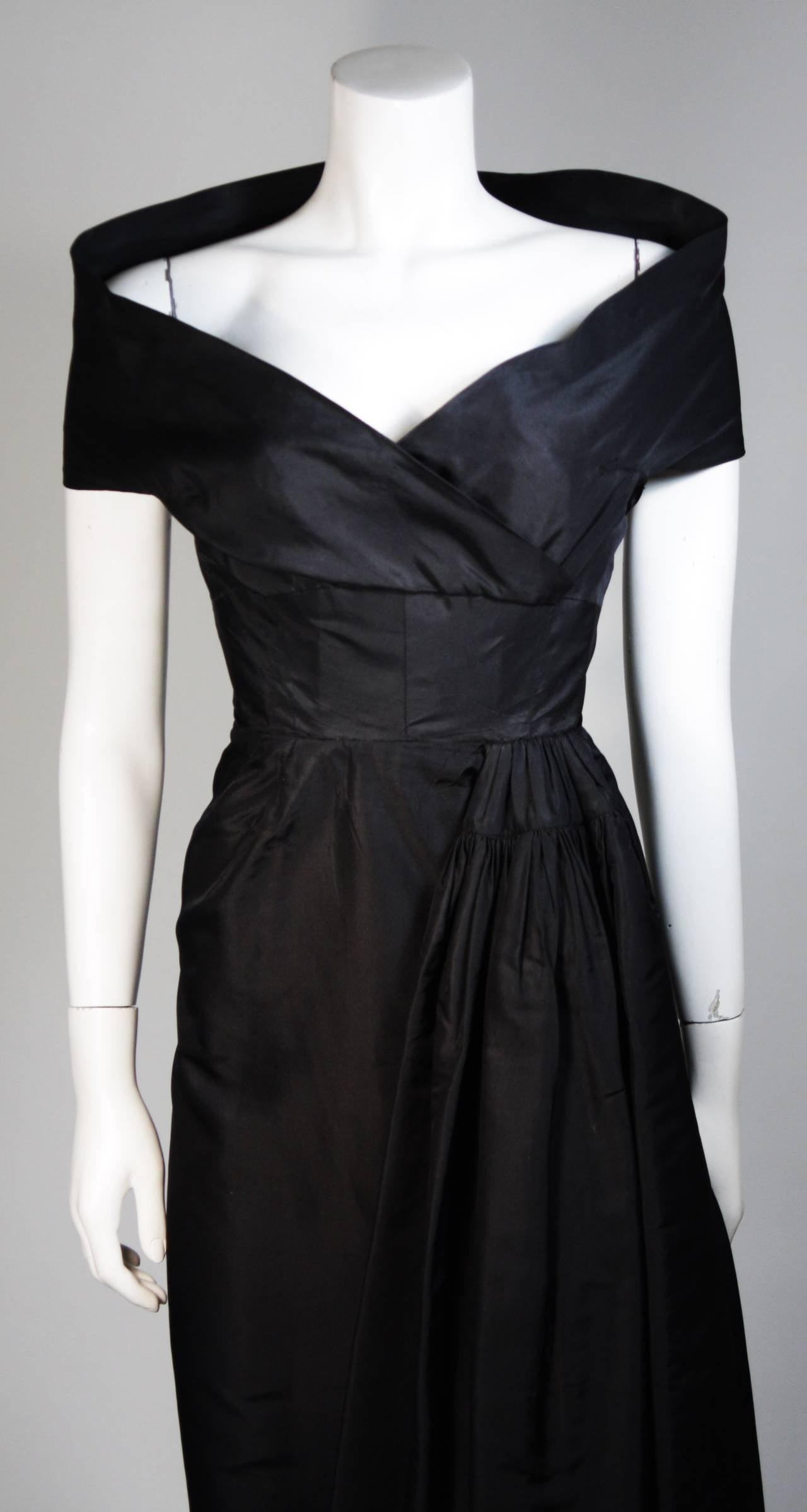 Ceil Chapman Black Cocktail Dress with Draped Detail Size Small In Excellent Condition For Sale In Los Angeles, CA