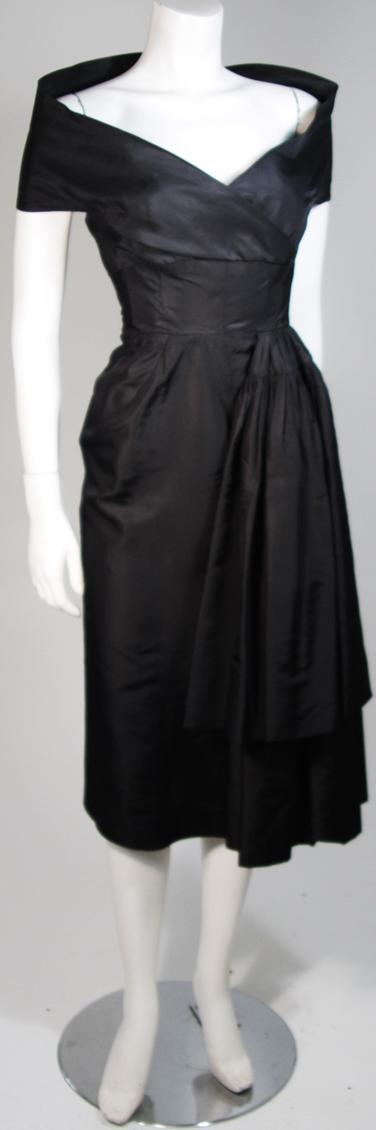 Ceil Chapman Black Cocktail Dress with Draped Detail Size Small 4
