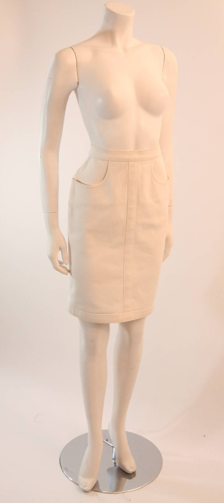 Fabulous Chanel Off White Stretch Denim Utility Style Skirt Size 38 3