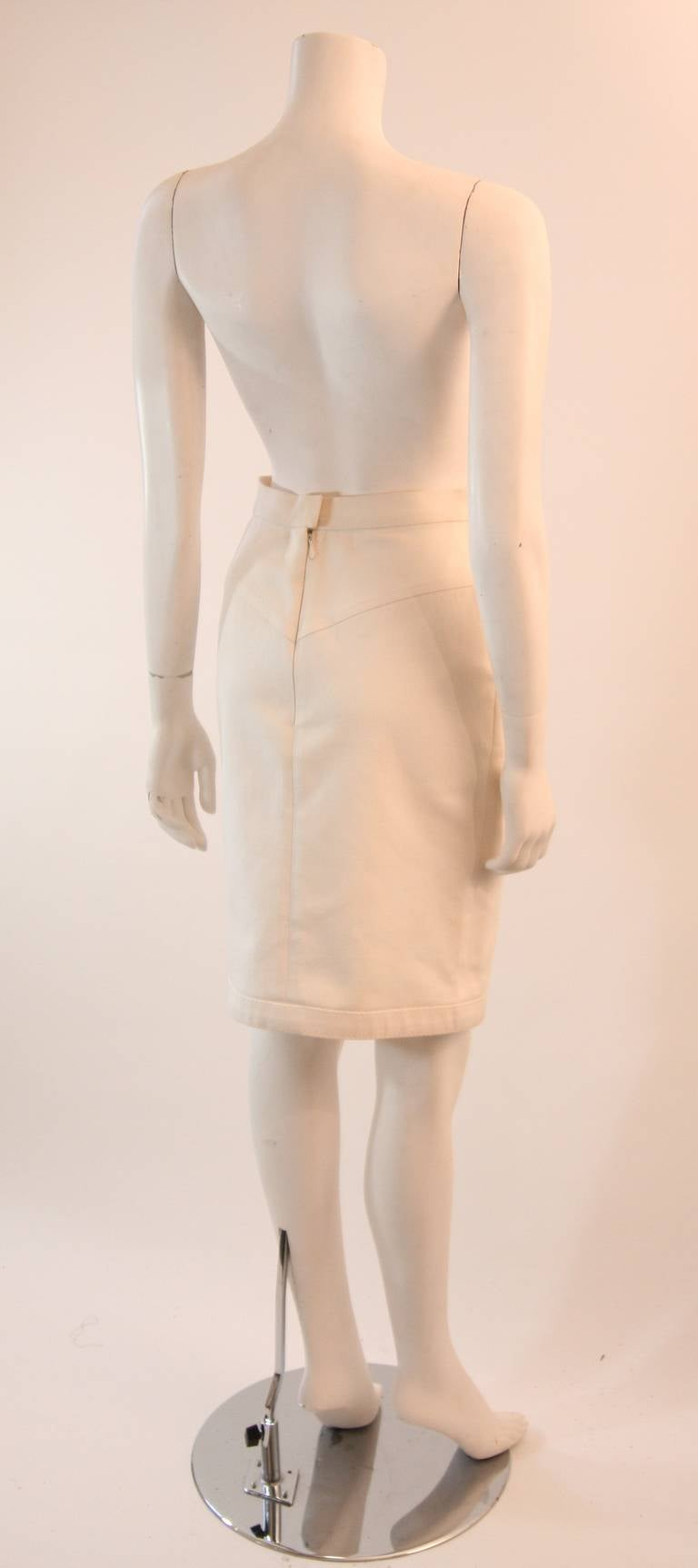 Fabulous Chanel Off White Stretch Denim Utility Style Skirt Size 38 5