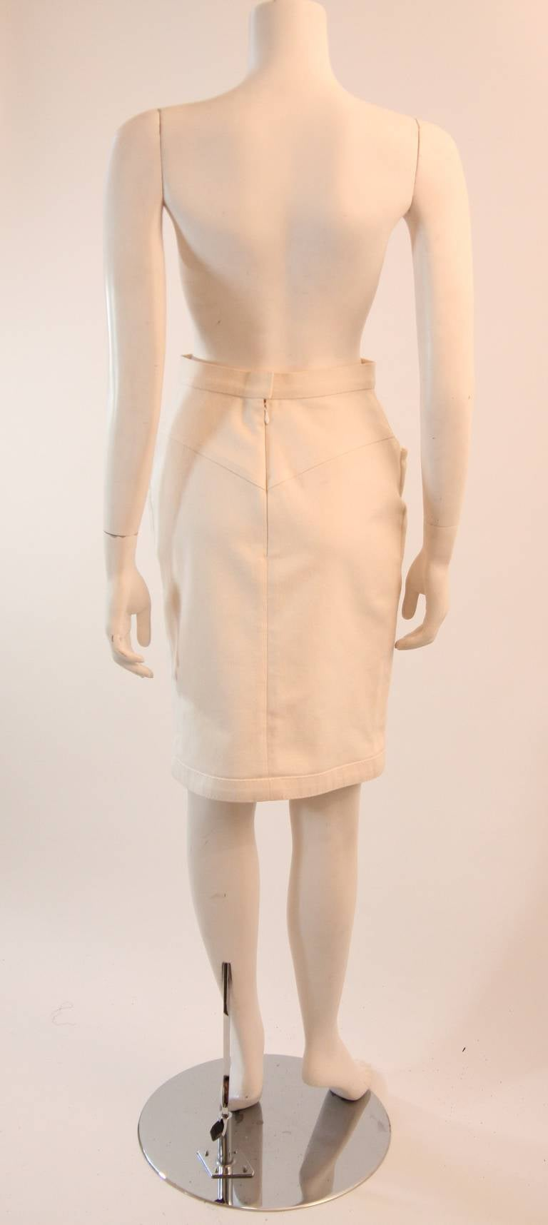 Fabulous Chanel Off White Stretch Denim Utility Style Skirt Size 38 7