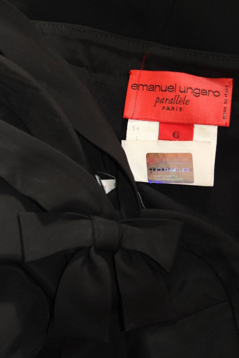 Emanuel Ungaro Evening Gown with Halter and Bow Size 6 For Sale 4