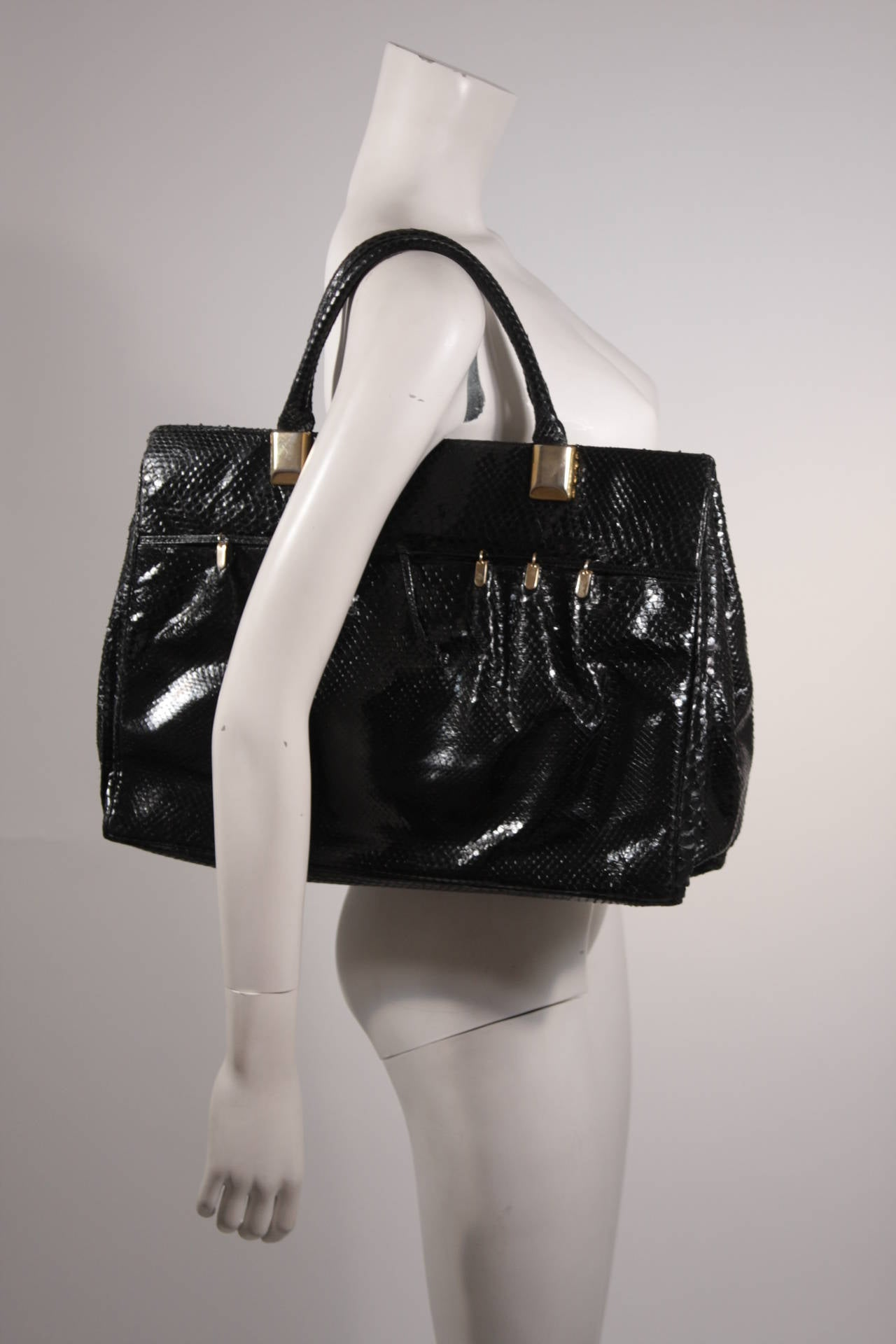 Women's Judith Leiber XL Black Snakeskin Tote with Coin Purse Excellent Condition For Sale