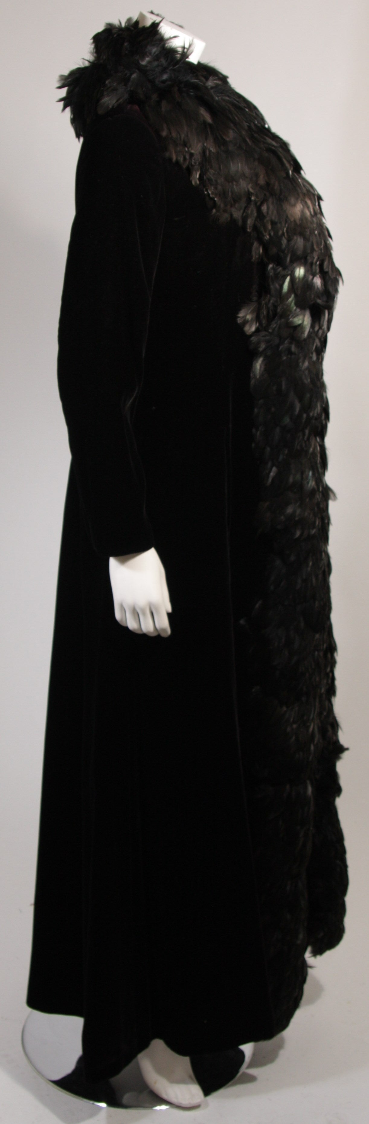 Velvet Feather Trim Coat Size 8 Victoria Royal For Sale 1