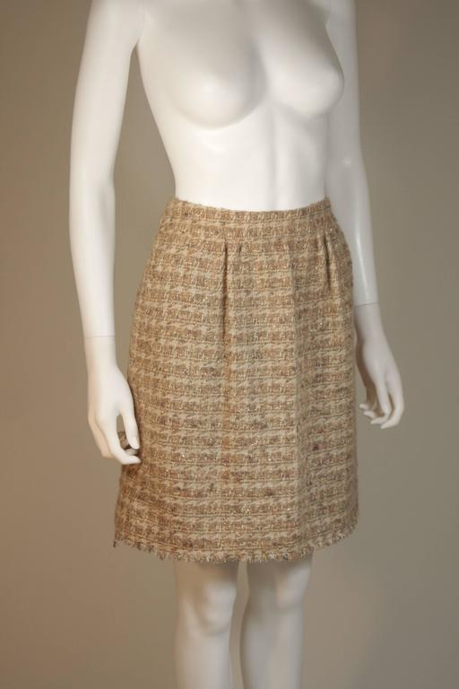 CHANEL Nude Tweed Knee Length Skirt with Brown Metallic Detail Size 6-8 5