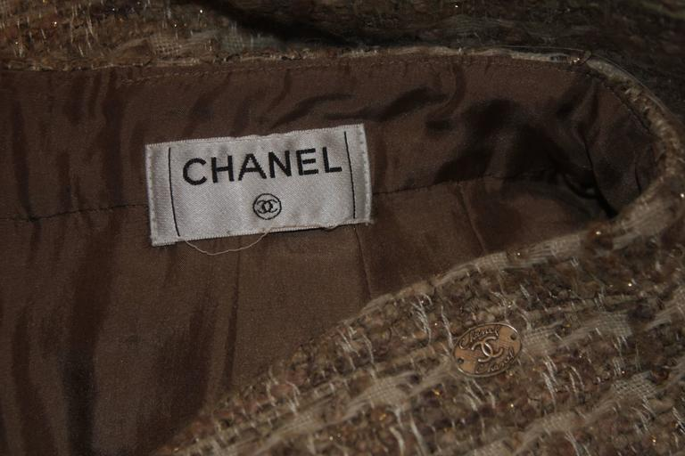 CHANEL Nude Tweed Knee Length Skirt with Brown Metallic Detail Size 6-8 10