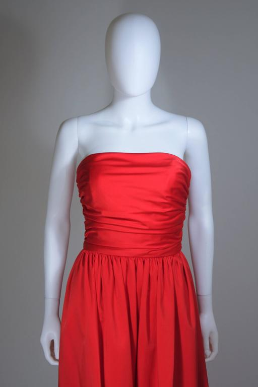 ANTHONY MUTO Red Gown with Gathered Bodice and Waist Tie Size 4-6 In Excellent Condition For Sale In Los Angeles, CA