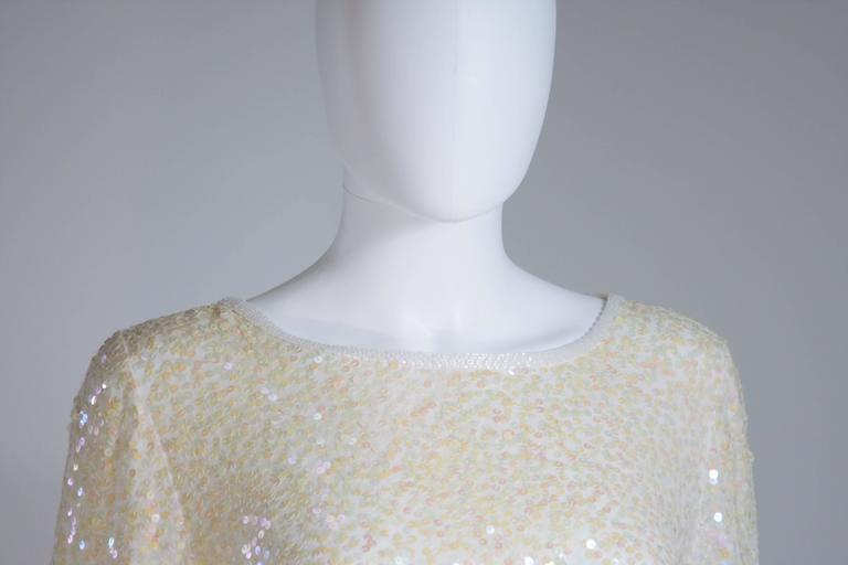 Gray OLEG CASSINI Off White Silk Iridescent Sequin Embellished Tunic Size 6 For Sale