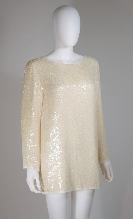 OLEG CASSINI Off White Silk Iridescent Sequin Embellished Tunic Size 6 For Sale 1