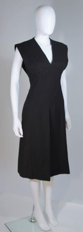 Women's MOLLIE PARNIS 1960's Black Linen A-Line Shift Dress Size 10 For Sale