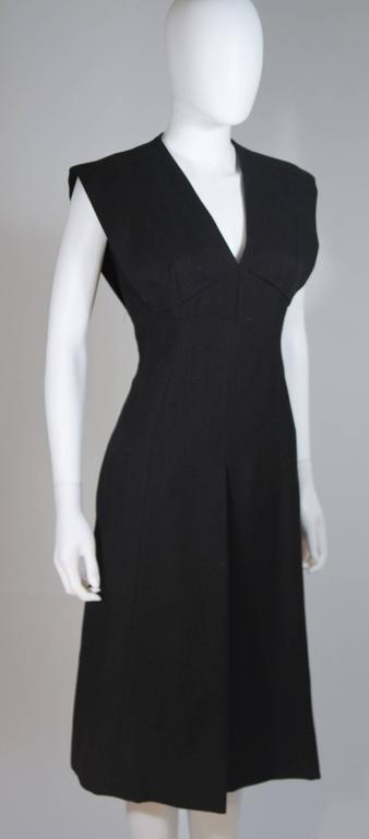 MOLLIE PARNIS 1960's Black Linen A-Line Shift Dress Size 10 For Sale 1