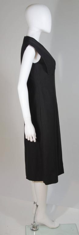 MOLLIE PARNIS 1960's Black Linen A-Line Shift Dress Size 10 For Sale 2