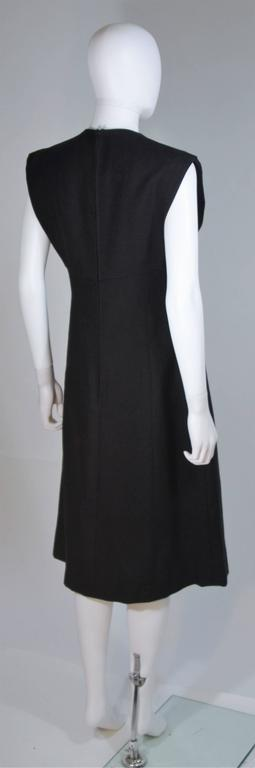 MOLLIE PARNIS 1960's Black Linen A-Line Shift Dress Size 10 For Sale 3