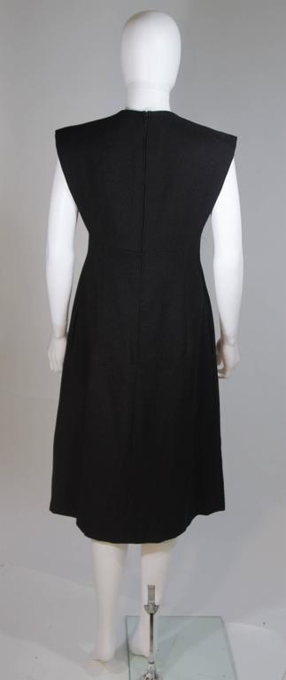 MOLLIE PARNIS 1960's Black Linen A-Line Shift Dress Size 10 For Sale 4