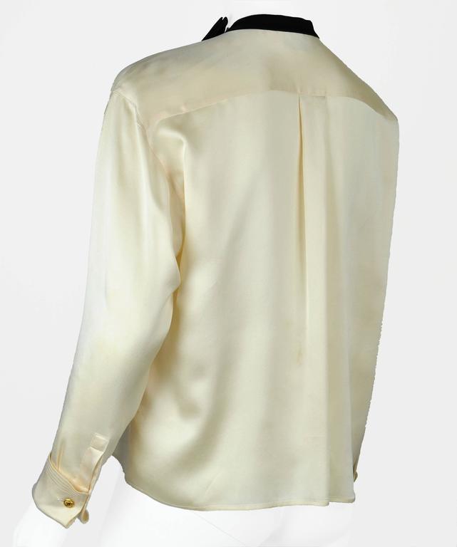 Chanel Boutique circa1984 White Satin Black Bow Pristine Classic Blouse FR38 9