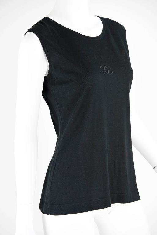 1980s Chanel Boutique Cotton Sleeveless Top with CC front and 4 gold CC Buttons 2