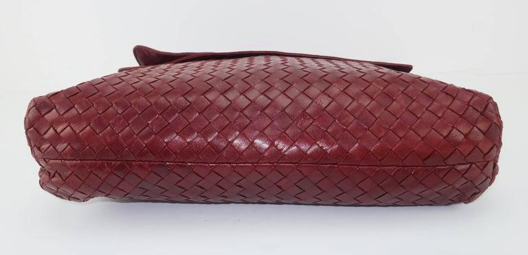 Vintage Bottega Veneta Burgundy Intrecciato Leather Shoulder Handbag For Sale 4